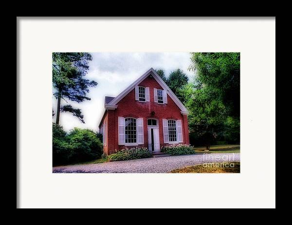 Scenic Tours Framed Print featuring the photograph Friends Meeting House by Skip Willits