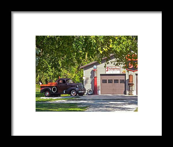 Mechanics Framed Print featuring the photograph Full Service Please by Randy Rosenberger