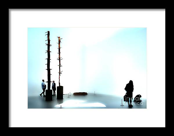 London Framed Print featuring the photograph Gallery Thirteen by Phil Robinson