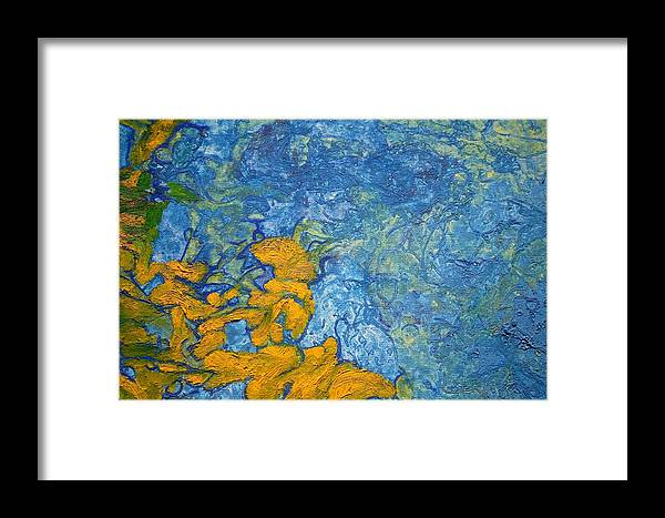 Paintings Framed Print featuring the painting Glight Close Up by Nav Unger
