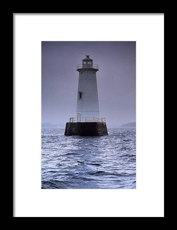 Raritan Bay Framed Print featuring the photograph Great Beds Lighthouse by Skip Willits