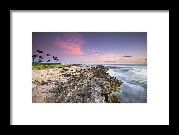 Oahu Framed Print featuring the photograph Hawaiian Edge by Robert Aycock