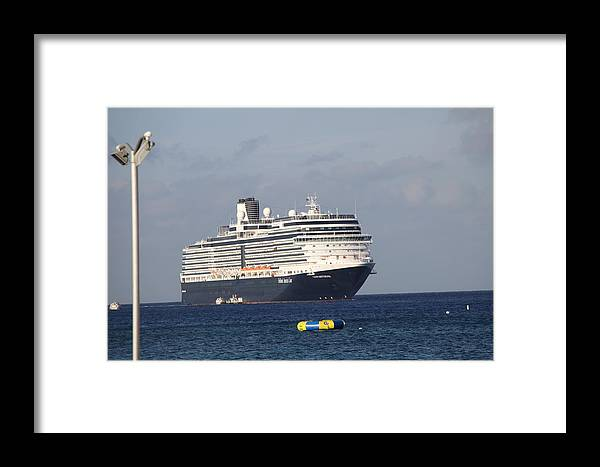 Ship Framed Print featuring the photograph Heading To Port by Dick Willis