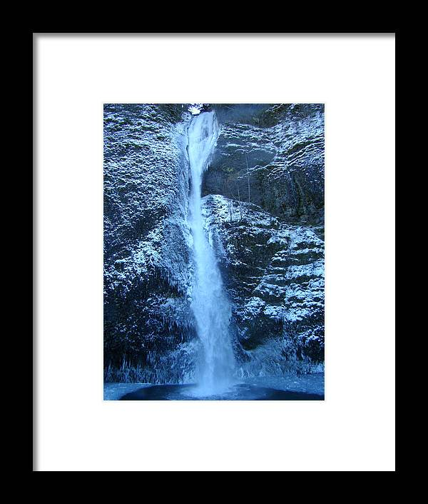 Water Framed Print featuring the photograph Horsestail Falls in the freeze by Lisa Rose Musselwhite