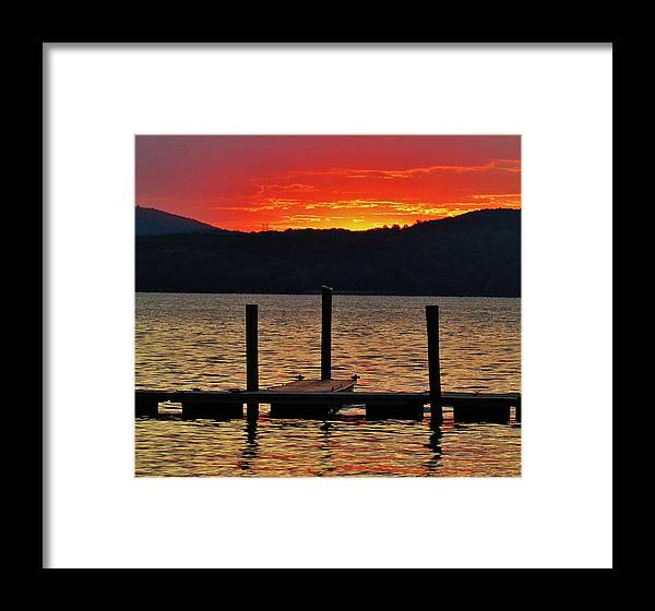 Landscapes Framed Print featuring the photograph Hudson Daybreak by Thomas McGuire