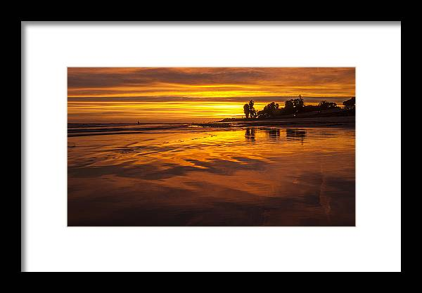 Sunset Framed Print featuring the photograph Img-1244 by Jac Keo
