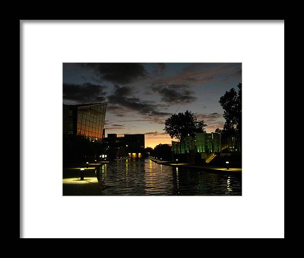 Dusk Framed Print featuring the photograph Indianapolis Canals by Helen ONeal