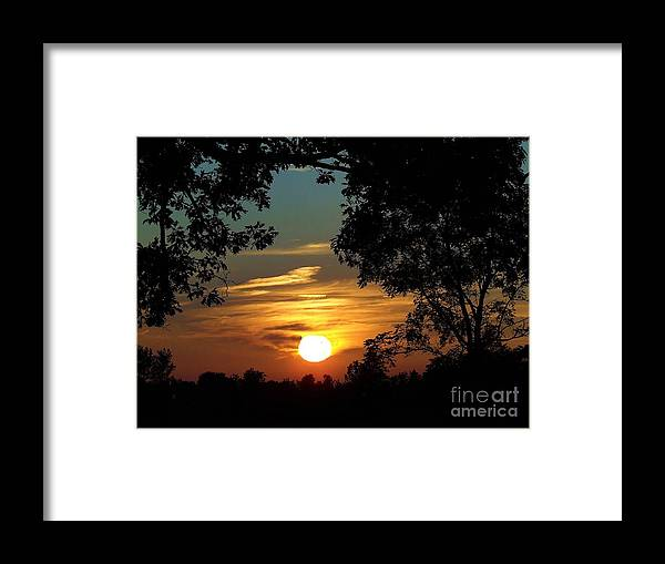 Spetacular Framed Print featuring the photograph Is It Sun Up Or Sun Down by Scott B Bennett