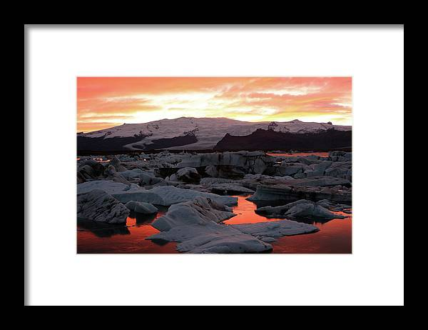 Scenics Framed Print featuring the photograph Jokulsarlon Lagoon At Sunset by Richard Collins