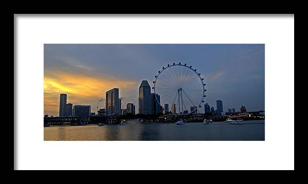 Marina Barrage Framed Print featuring the photograph Last Rays Of Sun by Mainak Panchal
