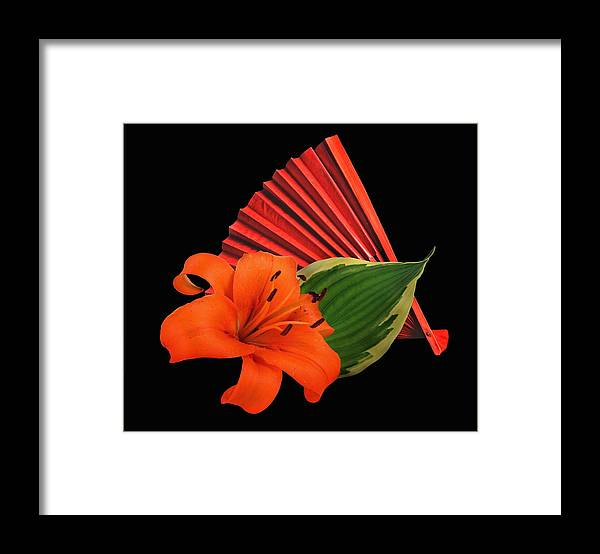 Lilie Framed Print featuring the photograph Lilies 2 by Manfred Lutzius