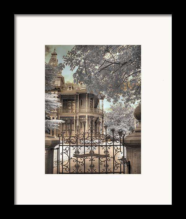 The Littlefield Home Framed Print featuring the photograph Littlefield Home by Jane Linders
