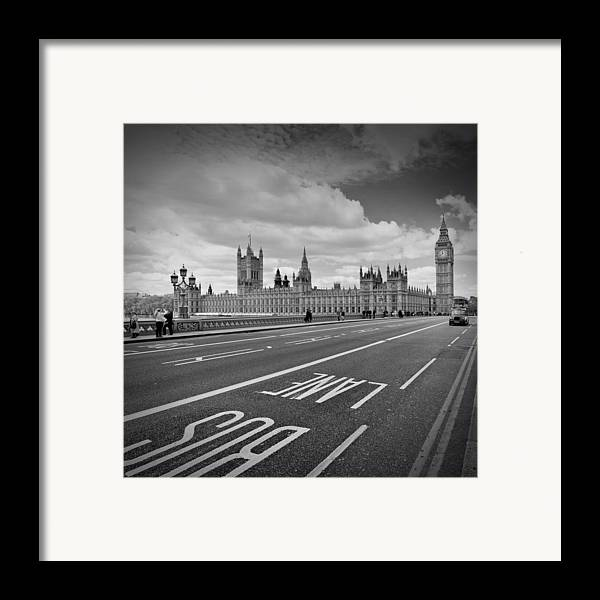 British Framed Print featuring the photograph London - Houses Of Parliament by Melanie Viola