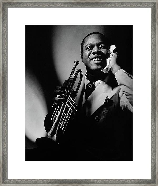 Art Print POSTER Louis Armstrong Holding Trumpet