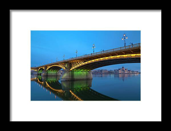 Town Framed Print featuring the photograph Margaret Bridge And The Parliament by Focusstock