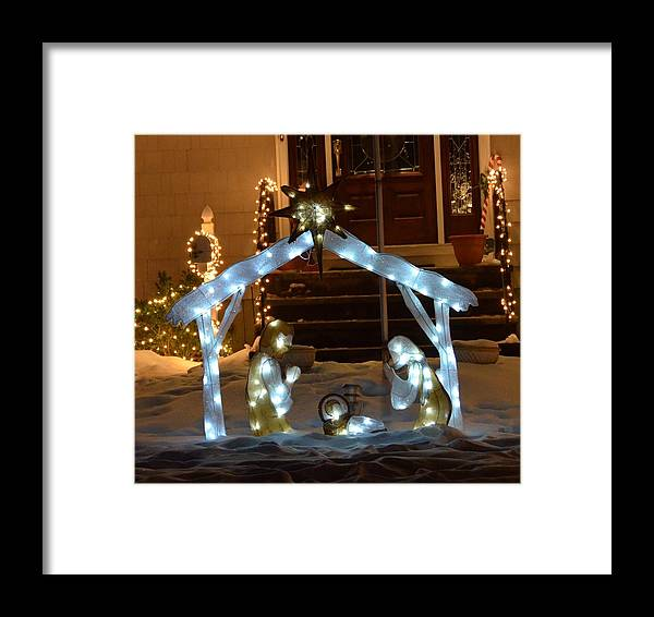 Merry Framed Print featuring the photograph Merry Christmas - Peace On Earth by Michael Keough