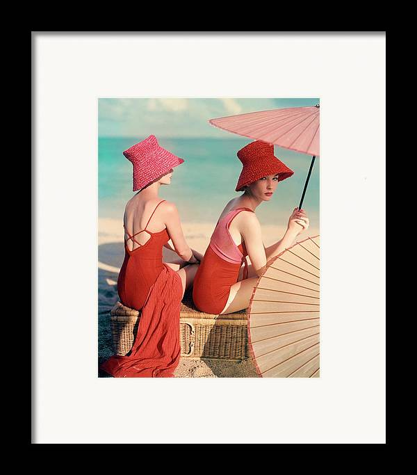 Fashion Framed Print featuring the photograph Models At A Beach by Louise Dahl-Wolfe