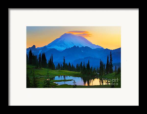 Mount Rainier Framed Print featuring the photograph Mount Rainier Goodnight by Inge Johnsson