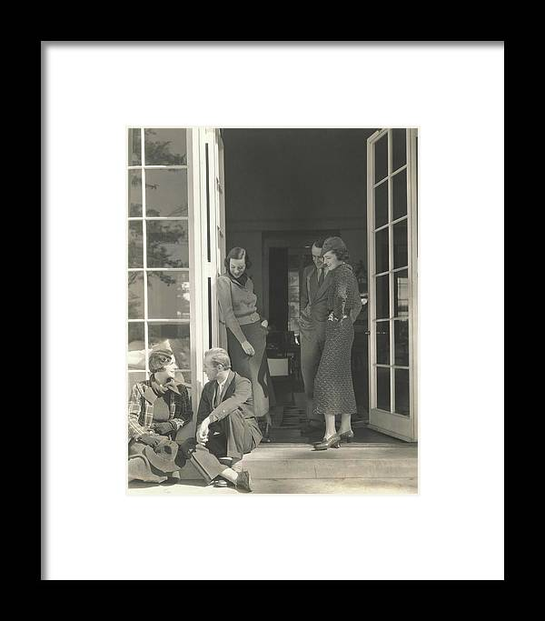 Accessories Framed Print featuring the photograph Mrs. Langdon Post Talking With Mr. William by Edward Steichen
