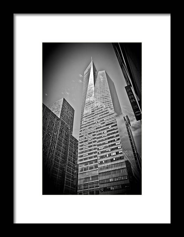 New York Framed Print featuring the photograph New York - B And W Hdr Bank Of America by Amador Esquiu Marques