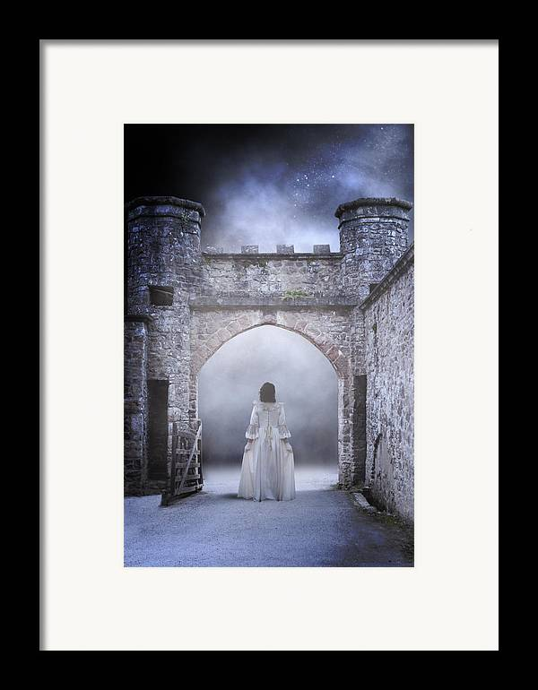 Lady Framed Print featuring the photograph Noctambulism by Joana Kruse