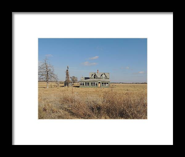 Old House Framed Print featuring the photograph Old Farm House by Jennifer Trent