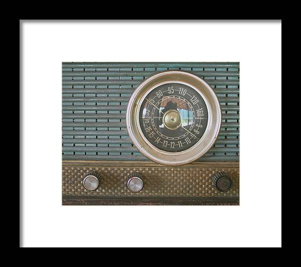 Music Framed Print featuring the photograph Old Radio by Carmen Moreno Photography