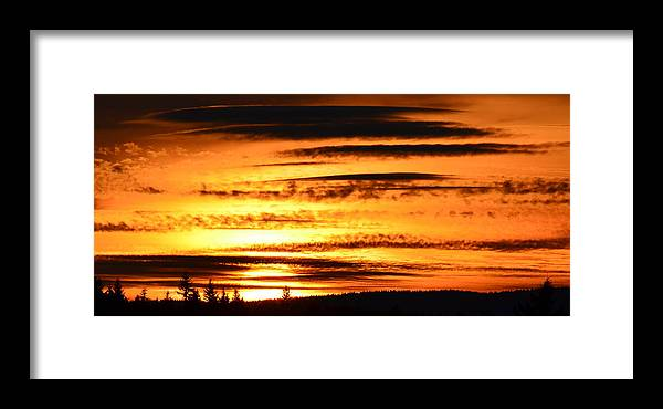 Oregon Framed Print featuring the photograph Oregon Sunset by Jeri lyn Chevalier