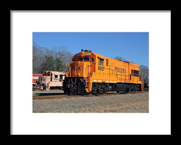 Trains Framed Print featuring the photograph Pick Ge U18b 9507 2 by Joseph C Hinson