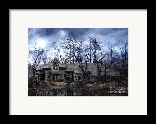 Deserted Framed Print featuring the photograph Plunkett Mansion by Tom Straub