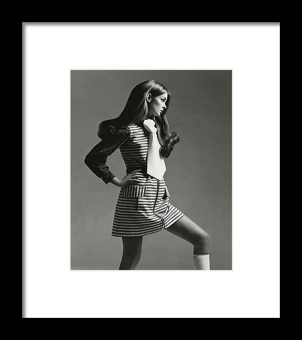 Accessories Framed Print featuring the photograph Portrait Of Jean Shrimpton by Gianni Penati
