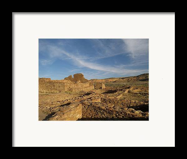 Chaco Framed Print featuring the photograph Pueblo Bonito Walls And Rooms by Feva Fotos