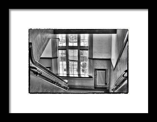 Pullman High School Framed Print featuring the photograph Pullman High School - A Blast From The Past by David Patterson