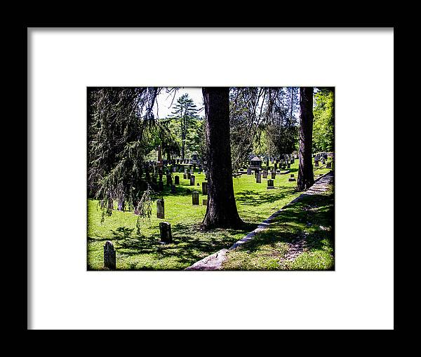 Quechee Framed Print featuring the photograph Quechee Vermont Cemetary by Sherman Perry