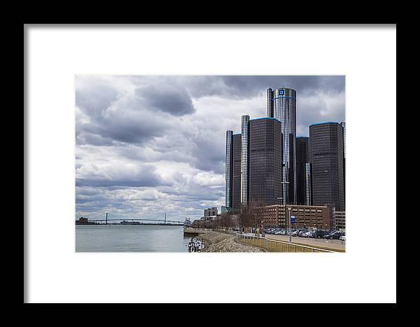 Detroit Framed Print featuring the photograph Renaissance Center by John McGraw