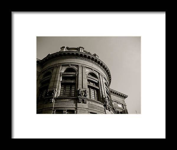 Black Framed Print featuring the photograph Rotunda by Santiago Rodriguez