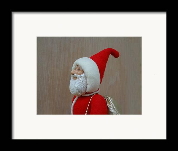 Santa Claus Framed Print featuring the sculpture Santa Sr. - Keeping The Faith by David Wiles
