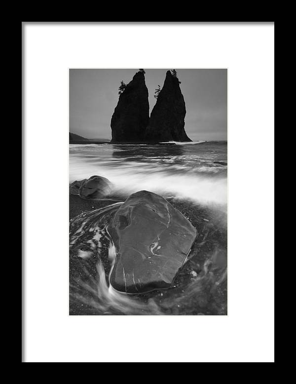 Olympic National Park Framed Print featuring the photograph Second Beach by Shawn Lonon
