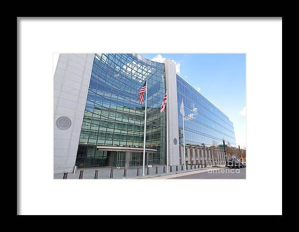 Entrance Framed Print featuring the photograph Securities Exchange Commission by Jim Pruitt