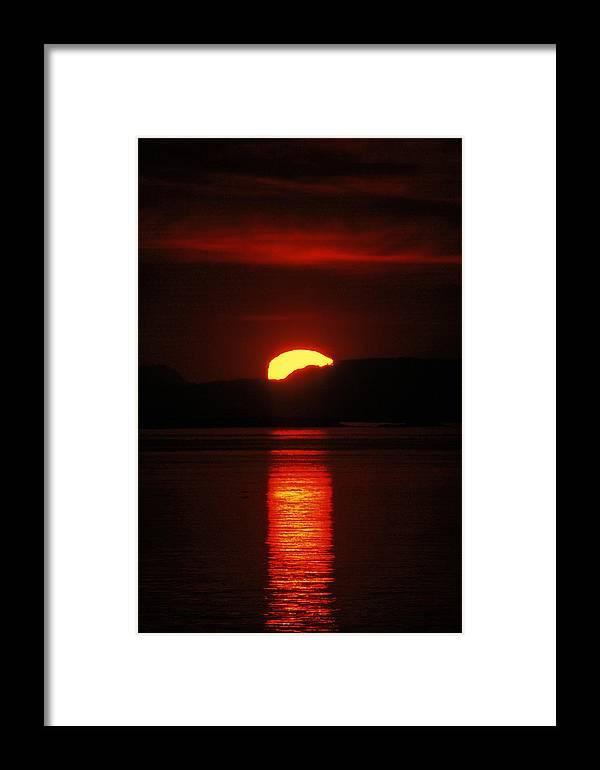 Washington Framed Print featuring the photograph Setting Fire IIi by Matt Swinden