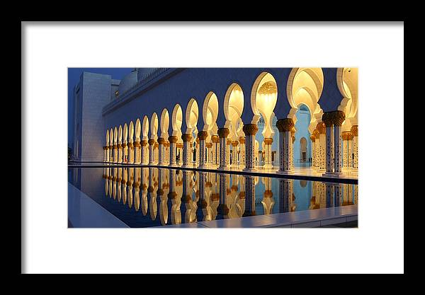 Sheikh Zayed Grand Mosque (grande Moschea Sheikh Zayed), Abu Dhabi, United  Arab Emirates Framed Print