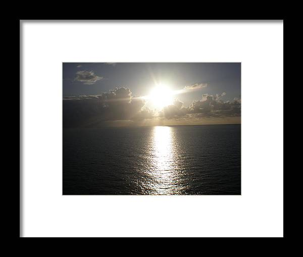 Sun Framed Print featuring the photograph Shining Bright by Jeannette Martir