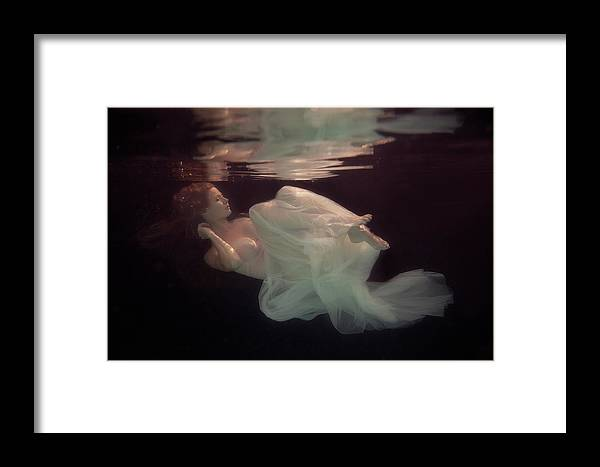 Underwater Framed Print featuring the photograph Sleeping Beauty by Gabriela Slegrova