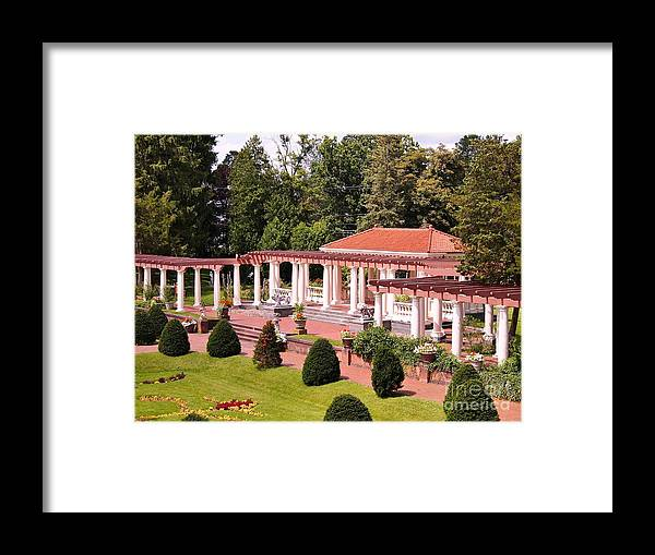 Sonnenberg Gardens Framed Print featuring the photograph Sonnenberg Gardens Ny by Jennifer Craft