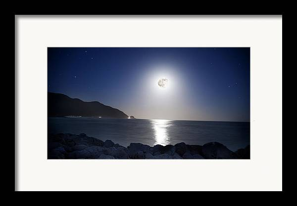 Super Moon Framed Print featuring the photograph Super Moon by Thomas Kessler