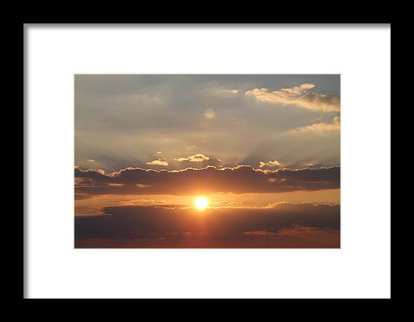Point Park Framed Print featuring the photograph Tennessee's Point Park Sunset by Robin Vargo