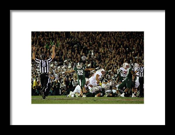 Michigan State University Framed Print featuring the photograph The 100th Rose Bowl Game - Stanford V by Harry How