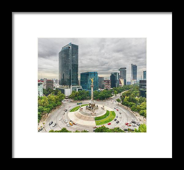 Mexico City Framed Print featuring the photograph The Angel Of Independence, Mexico City by Sergio Mendoza Hochmann
