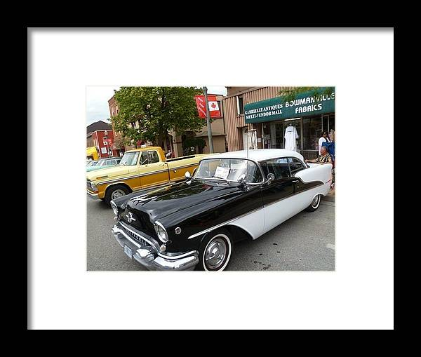 Car Framed Print featuring the photograph Touch Of Class by Lingfai Leung