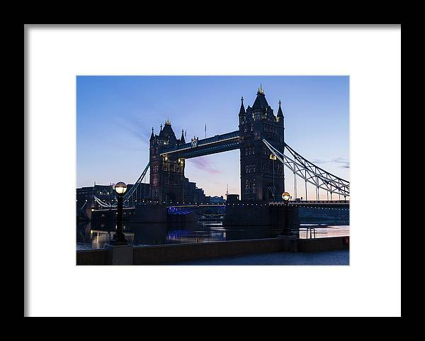 English Culture Framed Print featuring the photograph Tower Of London At Dawn by P A Thompson
